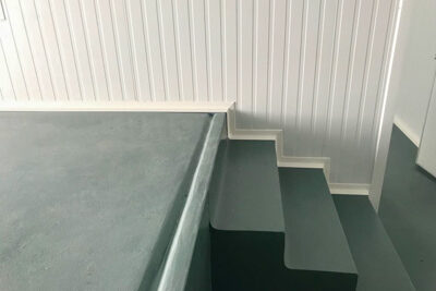Hygienic skirting with PV8
