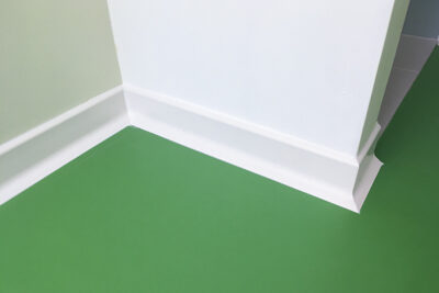 Hygienic skirtings PV15